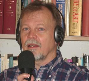 Klavs Birkholm ved mikrofonen